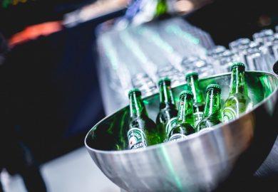 Bierbrouwer Heineken profiteert van warme zomermaanden