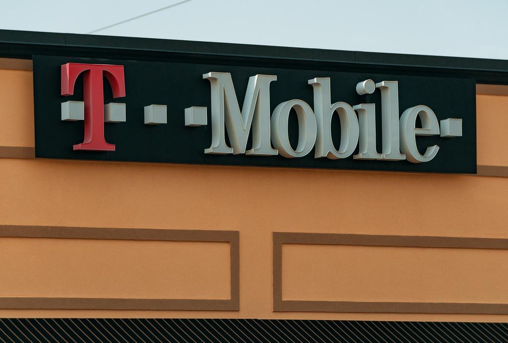 'EU keurt overname Tele2 door T-Mobile goed'