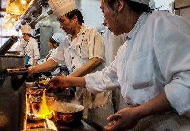 Te kort aan Aziatische koks in Nederland, geen wok gerechten meer?