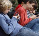 Mobieltjes van kinderen massaal gecontroleerd door ouders