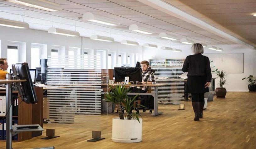 Waarom zijn ergonomische kantoormeubelen van belang?