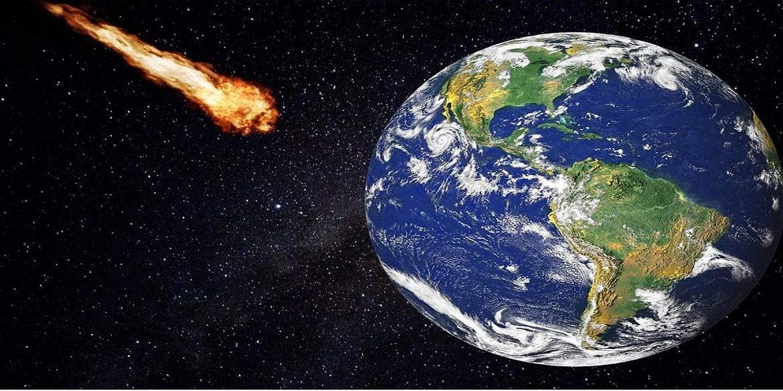 Asteroïde vliegt langs de aarde
