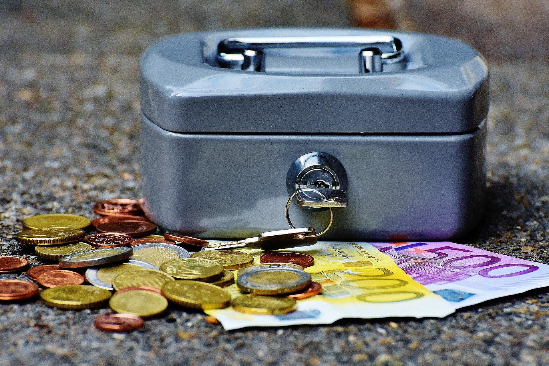 Een op de drie Nederlanders denkt dat spaarpot te klein is